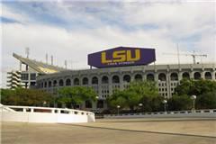 路易斯安那州立大学和纽约州立大学阿尔巴尼分校实力比较