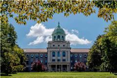 依马库雷塔大学和纽约市立大学巴鲁克学院实力比较