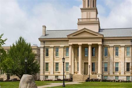 爱荷华大学世界排名最新排名第421(2020年QS世界大学排名)