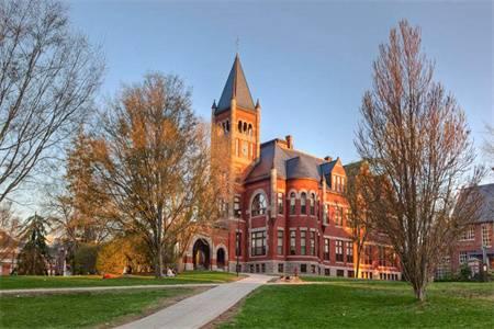 新罕布什爾大學排名第103(2018年USNEWS美國大學排名)