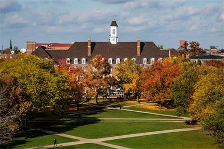伊利诺伊大学芝加哥分校世界排名最新排名第214(2019年QS世界大学排名)