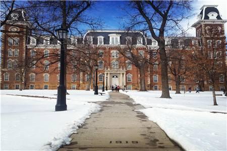 阿肯色大学费耶特维尔分校世界排名最新排名第373(2017年QS世界大学排名)