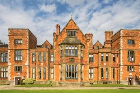 约克大学护理与助产专业排名第13(2018年卫报英国排名)