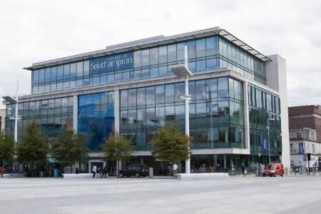 南安普顿大学医学专业排名第24(2018年卫报英国排名)
