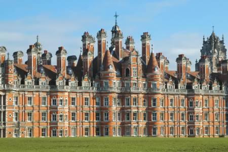 伦敦大学皇家霍洛威学院会计与金融专业排名第61(2018年卫报英国排名)