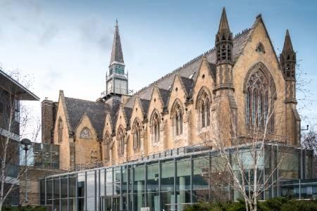 利兹大学医学专业排名第21(2018年卫报英国排名)