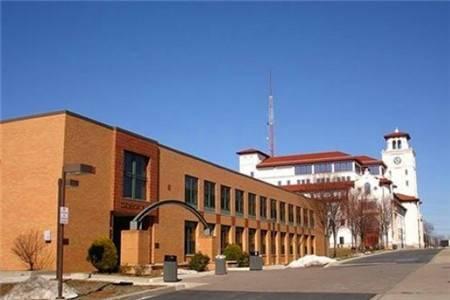 蒙特克莱尔州立大学世界排名最新排名第928(2021年USNews世界大学排名)