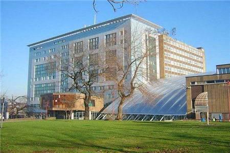 布拉德福德大学运动科学专业排名第33(2018年卫报英国排名)